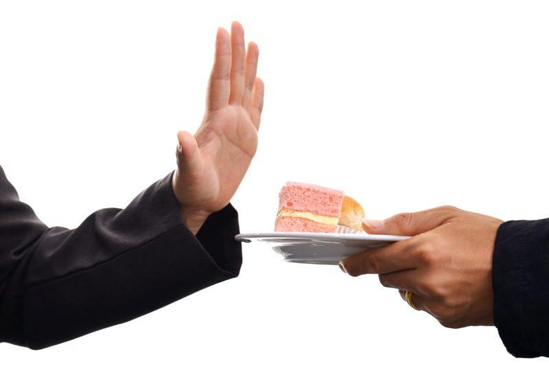 sand saying no to cake and sugar