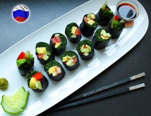 Green kale or spinach sushi (raw vegan)