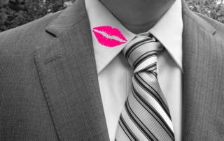 cheating infidelity lipstick on collar