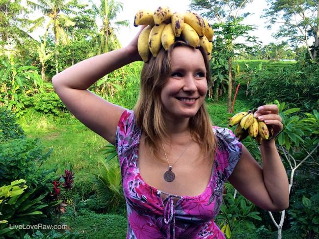 Anya Andreeva from Live Love Raw with bananas on head