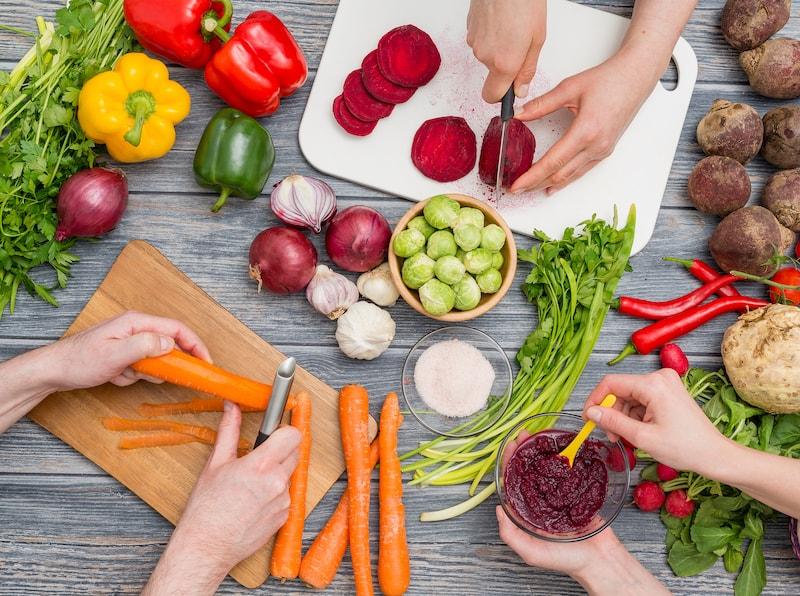 cutting fresh vegetables, vegan chef-min