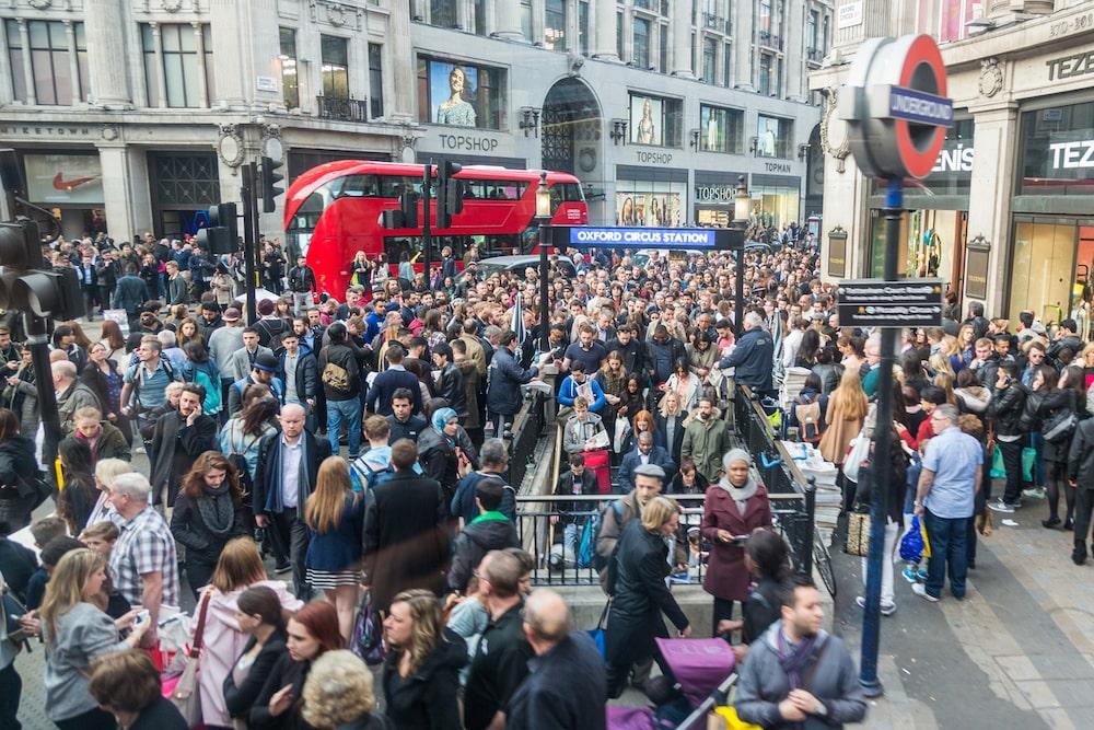London commute rush hour
